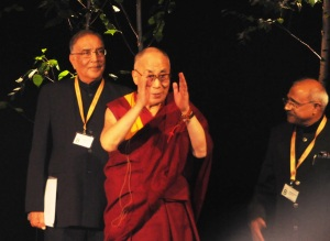 H-H-Dalai-Lama-Arriving-on-Stage
